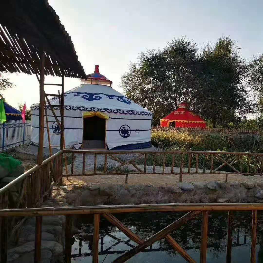 传统生态园蒙古包